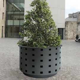 PLANTERS, BASKETS & PROTECTORS GREEN SPACES