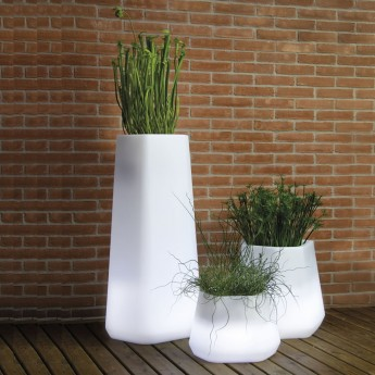 LED LIGHTED VASE-MAGNOLIA